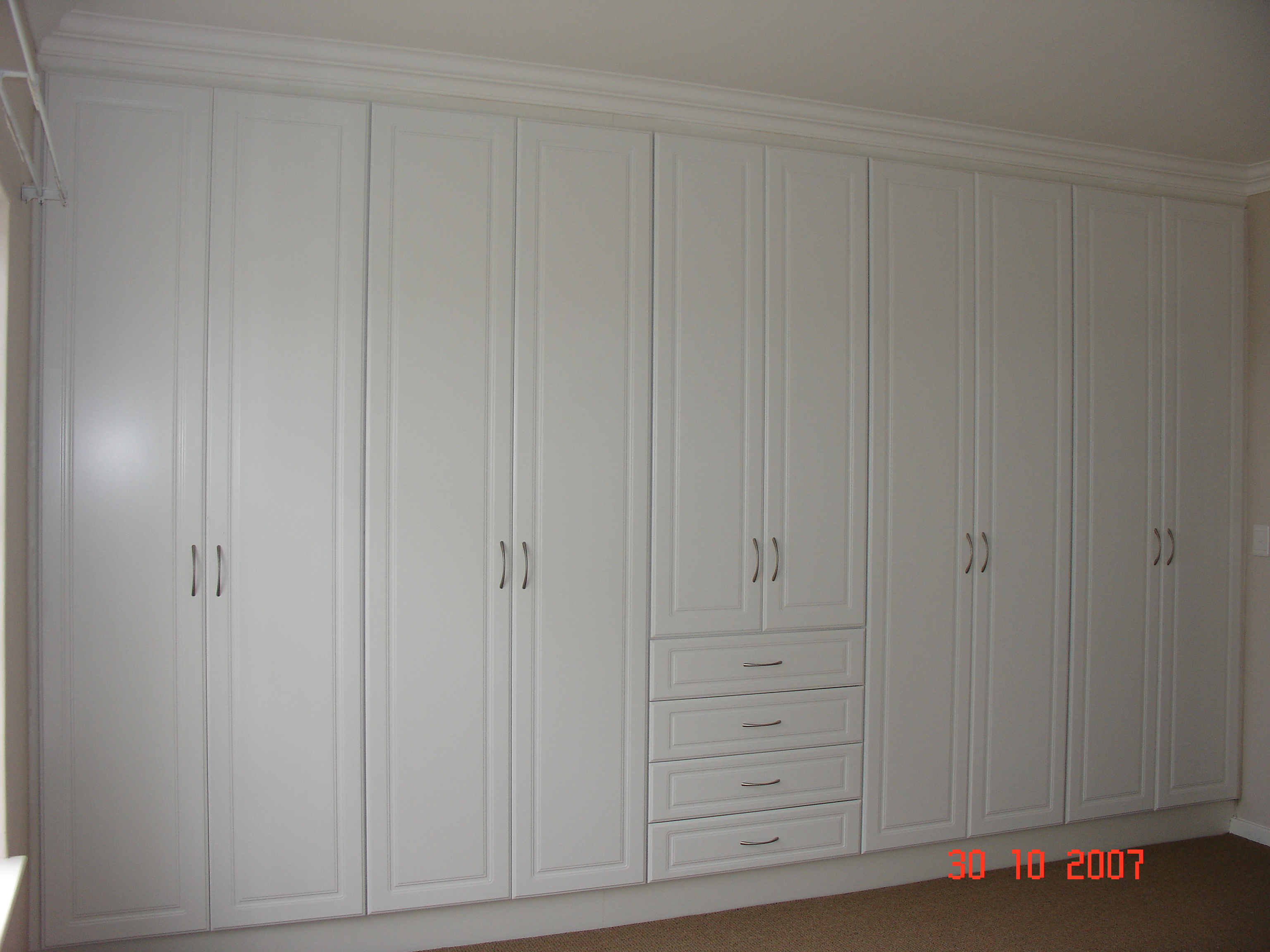 Quality built in cupboards johannesburg nico 39 s kitchens for Affordable bedroom cupboards