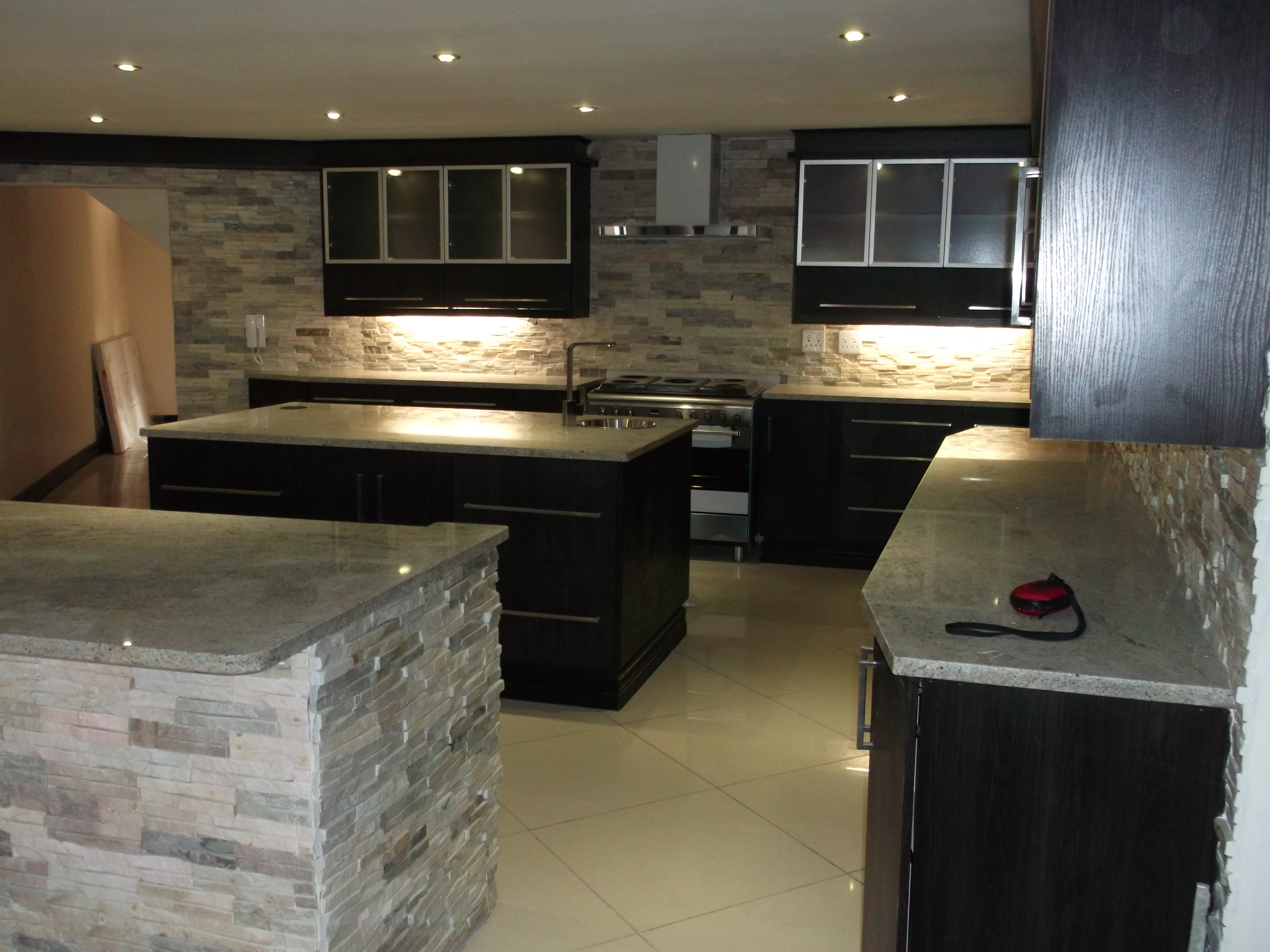 Foil wrap kitchens nico 39 s kitchens for Kitchens pretoria