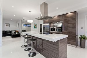 High gloss kitchen with 60mm granite top